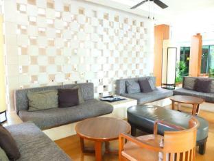 Woodlands Hotel and  Resort Pattaya - Exterior