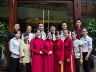 Hanoi Elegance Ruby Hotel Hanoi - HE Ruby's teams