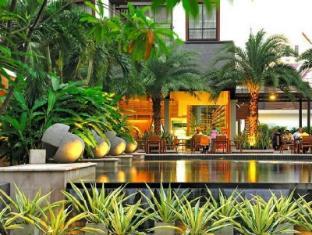 Amanta Hotel & Residence Ratchada Bangkok - Swimming Pool