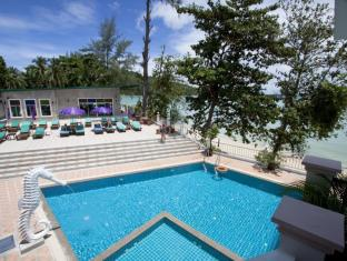 Tri Trang Beach Resort by Diva Management Phuket - Beach
