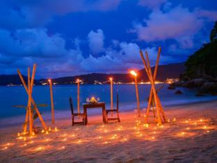 Tri Trang Beach Resort by Diva Management Phuket - Romantic Dinner