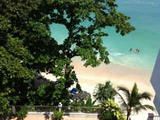 Tri Trang Beach Resort by Diva Management Phuket - Pool