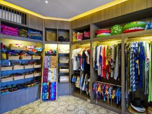 Cape Panwa Hotel Phuket - Shops