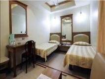 Hotel Parklane: guest room