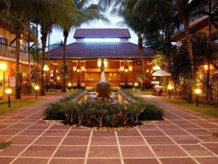 Horizon Patong Beach Resort & Spa Phuket - Hotel Entrance