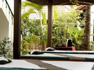 Horizon Patong Beach Resort & Spa Phuket - Massage Corner