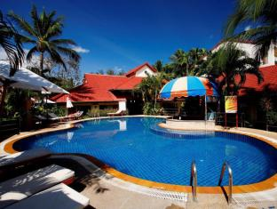 Horizon Patong Beach Resort & Spa Phuket - Swim Up Pool Bar