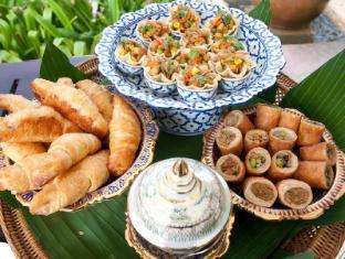 Kata Beach Resort Phuket - Food and Beverages