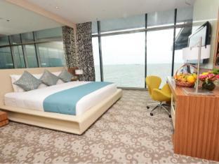 Hotel H2O Manila - Guest Room