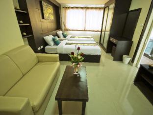 Regent Suvarnabhumi Hotel Bangkok - Deluxe Sofa & Sitting Area