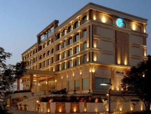 Fortune Select Exotica Navi Hotel