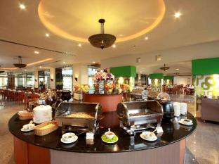 The Royal Paradise Hotel & Spa Phuket - Coconut Coffee Shop