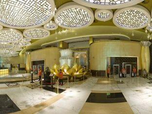 Grand Lisboa Hotel Macau - Casino Entrance