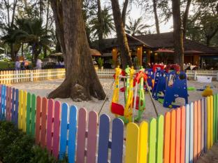 Amora Beach Resort Phuket - Playground