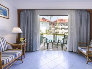 Amora Beach Resort Phuket - Deluxe Room