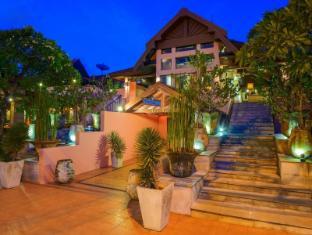 Seaview Patong Hotel Puketas - Įėjimas