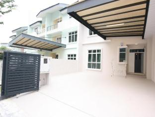 Shamrock Beach Villas Seaview 9
