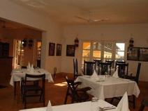 Sur La Mer Resort: restaurant