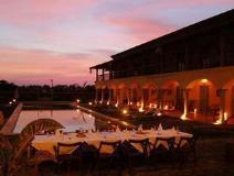 Sur La Mer Resort: exterior