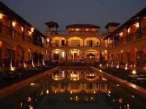 Sur La Mer Resort: swimming pool