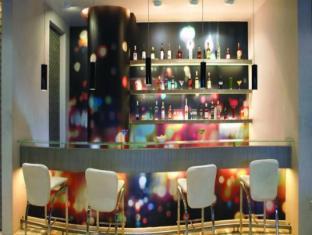 Mirage Hotel Μουμπάι - Μπυραρία/Σαλόνι