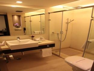 Hotel Florence New Delhi and NCR - Bathroom