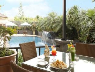 The Majesty Business and Family Hotel Bandung - Balcony/Terrace