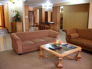 The Majesty Business and Family Hotel Bandung - Living Room