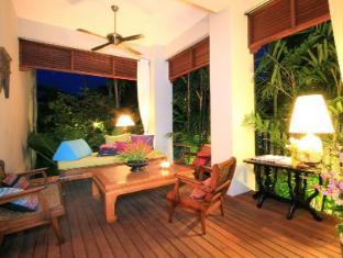 Baan Klang Wiang Hotel Chiang Mai - Hotel Innenbereich