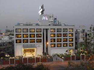 /the-metropole-hotel/hotel/ahmedabad-in.html?asq=jGXBHFvRg5Z51Emf%2fbXG4w%3d%3d