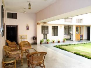 Hotel Jai Niwas Jaipur - Central Courtyard