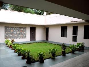 Hotel Jai Niwas Jaipur - Courtyard