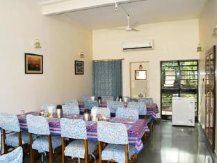 Hotel Jai Niwas Jaipur - Restaurant