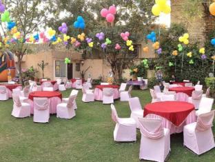 Hotel Jai Niwas Jaipur - Back Lawns - Party