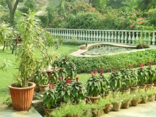 Hotel Jai Niwas Jaipur - Garden