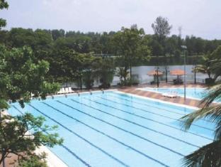 Holiday Villa Hotel & Suites Subang Kuala Lumpur - Piscina