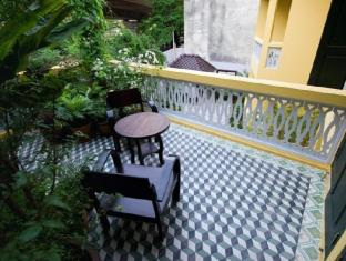 Baan Pra Nond Bed & Breakfast Bangkok - Balcony/Terrace
