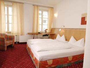 /es-es/hotel-zach/hotel/innsbruck-at.html?asq=vrkGgIUsL%2bbahMd1T3QaFc8vtOD6pz9C2Mlrix6aGww%3d