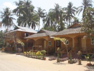 /soe-ko-ko-beach-house-restaurant/hotel/ngwesaung-beach-mm.html?asq=vrkGgIUsL%2bbahMd1T3QaFc8vtOD6pz9C2Mlrix6aGww%3d