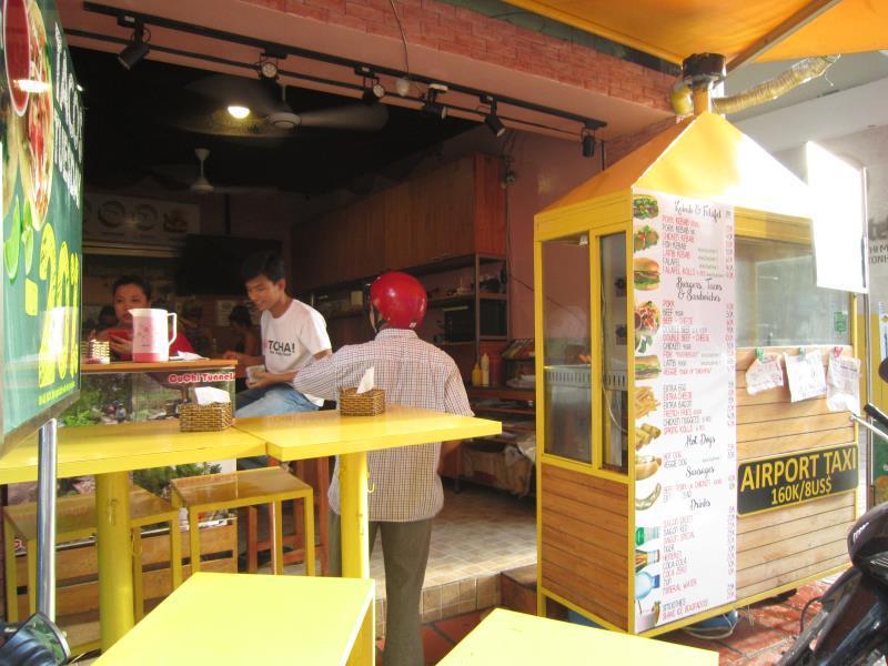 Phoenix Hostel Saigon13