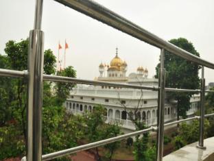 /hotel-mercury-inn-by-sonachi/hotel/amritsar-in.html?asq=jGXBHFvRg5Z51Emf%2fbXG4w%3d%3d