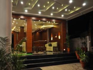 Hotel Treebo Golden Castle