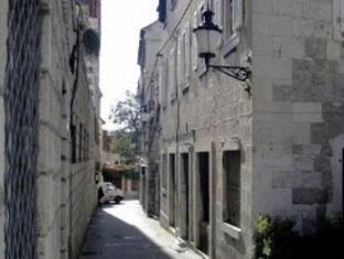 /split-inn-apartments/hotel/split-hr.html?asq=jGXBHFvRg5Z51Emf%2fbXG4w%3d%3d