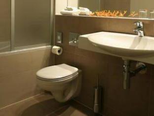 Best Western Hotel Pav Prague - Bathroom