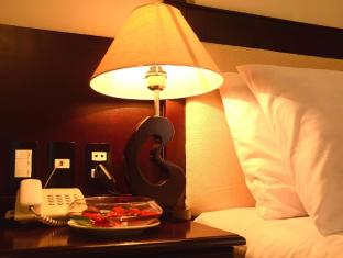/vi-vn/serene-shining-hotel/hotel/hue-vn.html?asq=jGXBHFvRg5Z51Emf%2fbXG4w%3d%3d