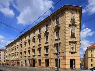 Hotel Golden City Prague - Exterior
