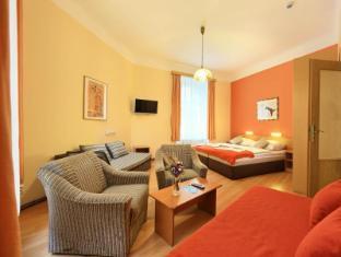 Hotel Golden City Prague - Guest Room