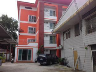 Hunsana Apartments