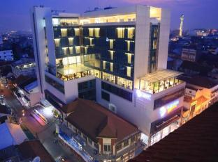 /es-es/pasar-baru-square-hotel-bandung-dhm-associates/hotel/bandung-id.html?asq=jGXBHFvRg5Z51Emf%2fbXG4w%3d%3d