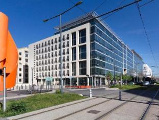 /novotel-suites-marseille-centre-euromed/hotel/marseille-fr.html?asq=vrkGgIUsL%2bbahMd1T3QaFc8vtOD6pz9C2Mlrix6aGww%3d